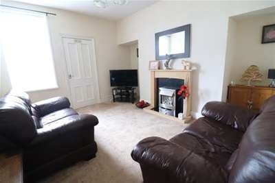 2 Bedrooms Flat for rent in Meadow Terrace, Herrington Burn