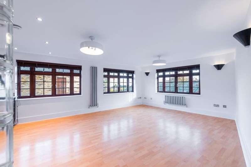 2 Bedrooms Flat for rent in Blake Mews, Kew