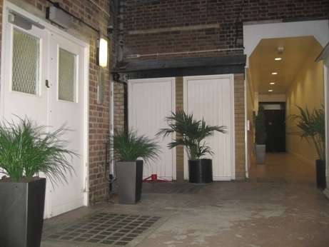 3 Bedrooms Flat for rent in Balham High Road, Balham