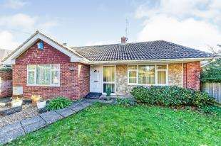 2 Bedrooms Bungalow for sale in Abbots Barton Walk, Canterbury, Kent, United Kingdom
