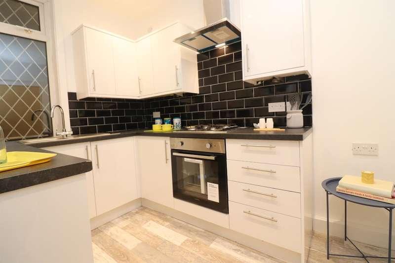 3 Bedrooms Terraced House for rent in Queen Victoria Street, Blackburn, BB2 2RZ