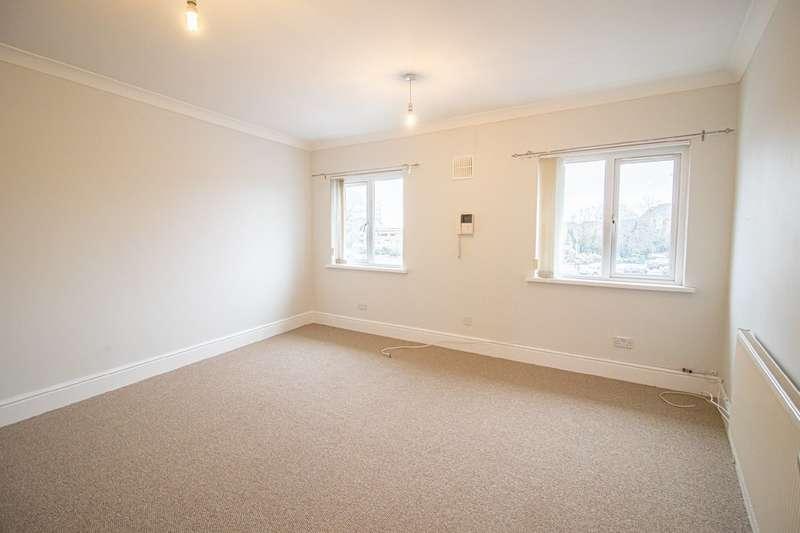 3 Bedrooms Flat for rent in Beulah Road, Rhiwbina