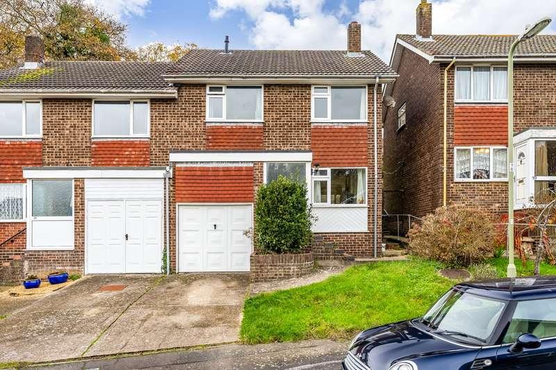 4 Bedrooms Semi Detached House for sale in Estridge Close, Bursledon, Southampton, Hampshire. SO31 8FN