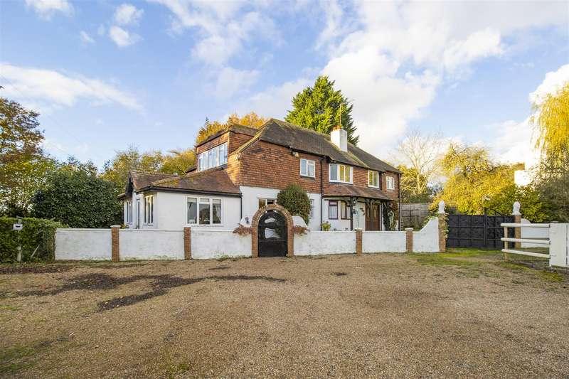 5 Bedrooms Detached House for sale in Common Lane, RADLETT