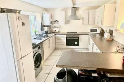 3 Bedrooms End Of Terrace House for rent in Francis Road, Birmingham, B27