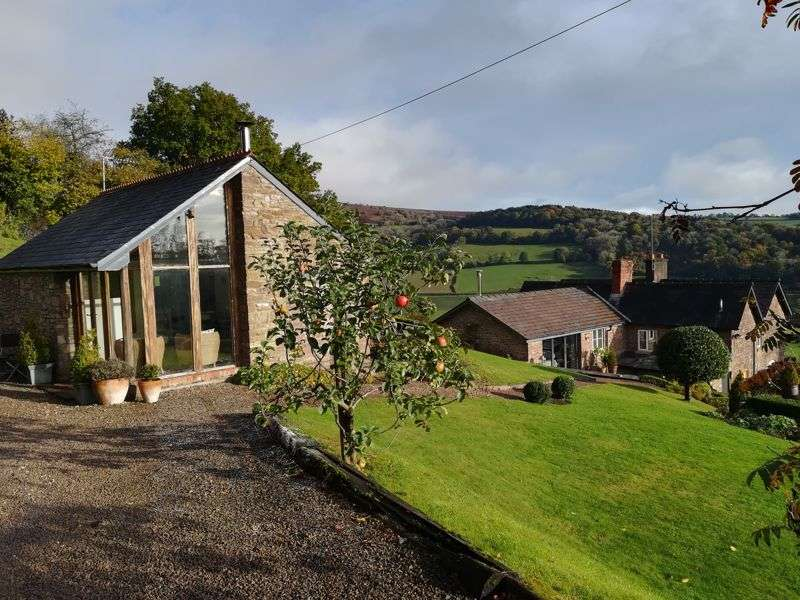 4 Bedrooms Property for sale in Grosmont, Abergavenny