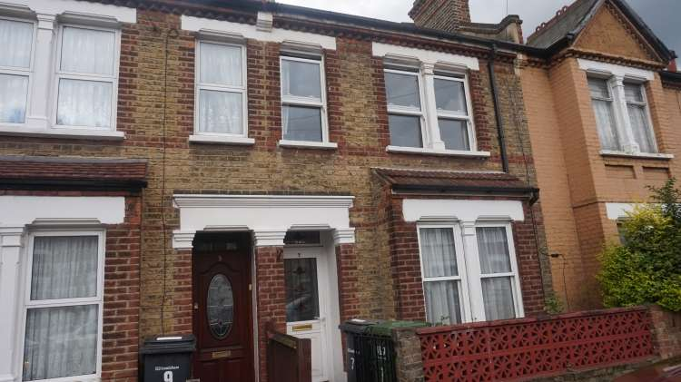 3 Bedrooms Terraced House for rent in Wearside Road Lewisham SE13
