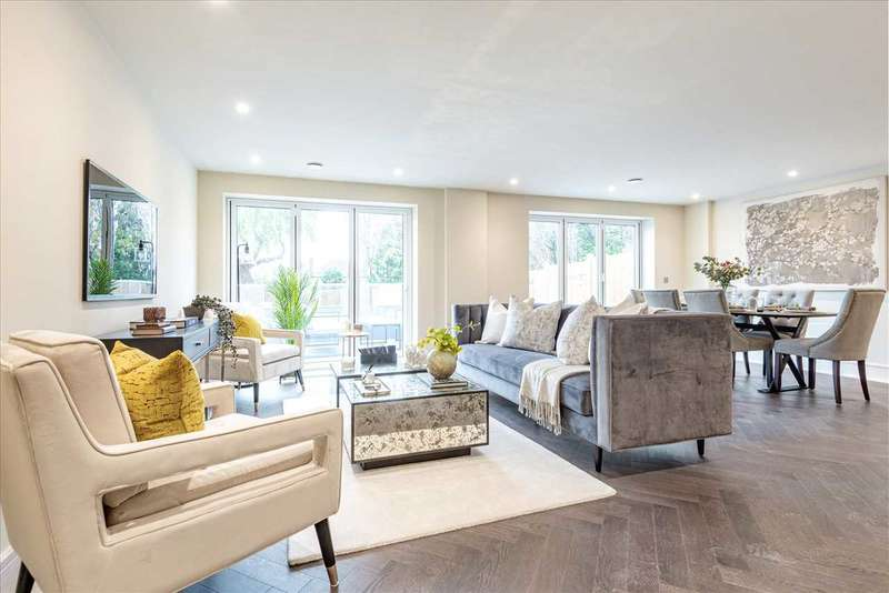 2 Bedrooms Apartment Flat for sale in Manor Road, Chigwell, Essex, IG7 (Plot 6)