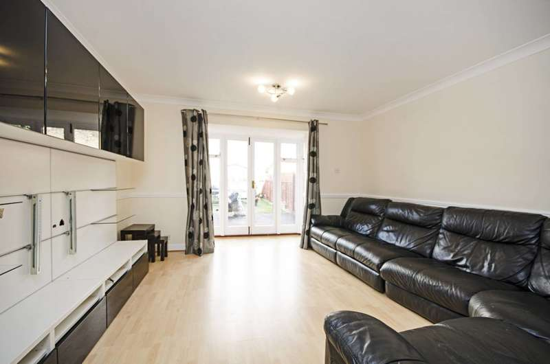 3 Bedrooms House for rent in Leabank Square, Hackney Wick, E9