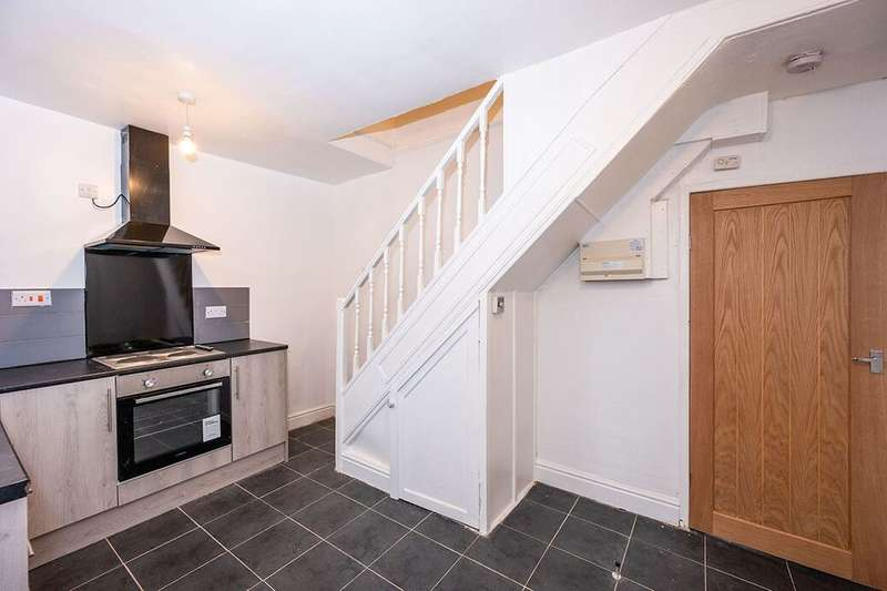 3 Bedrooms Terraced House for rent in Carlton Street, Prescot, L34