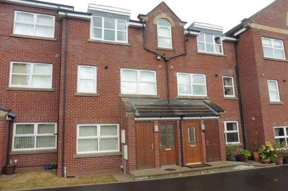2 Bedrooms Apartment Flat for rent in Queens Court, Wardley Street, Wigan