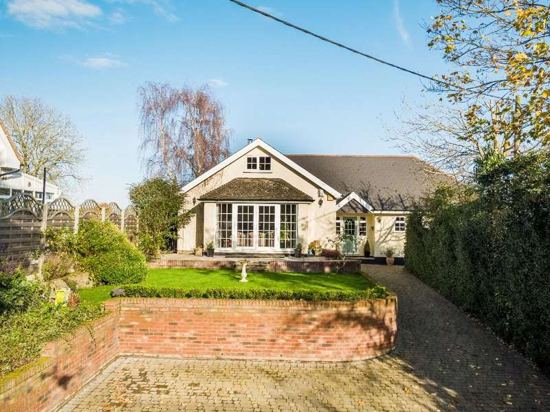 3 Bedrooms Detached Bungalow for sale in Beaumont Hill, Dunmow