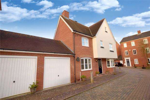 4 Bedrooms Detached House for sale in Freeman Close, Colchester, Essex
