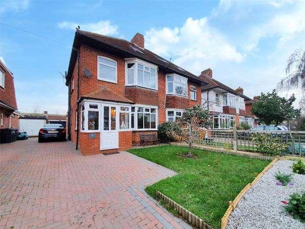 4 Bedrooms Semi Detached House for sale in Village Road, Alverstoke, Gosport