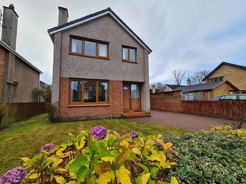 3 Bedrooms Detached House for rent in 4 Erracht Road, Inverness, Highland. IV2 4RE