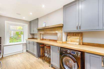 3 Bedrooms Terraced House for sale in New Row, Winewall, Colne, Lancashire, BB8