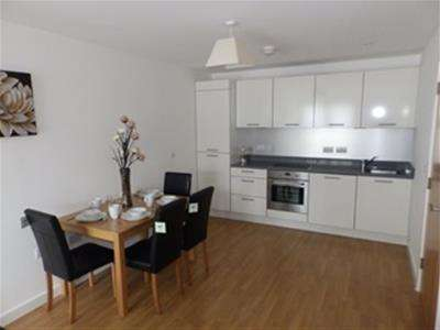 2 Bedrooms Apartment Flat for rent in Mulberry House, Burgage Square, Merchant Gate, Wakefield, WF1 2SE