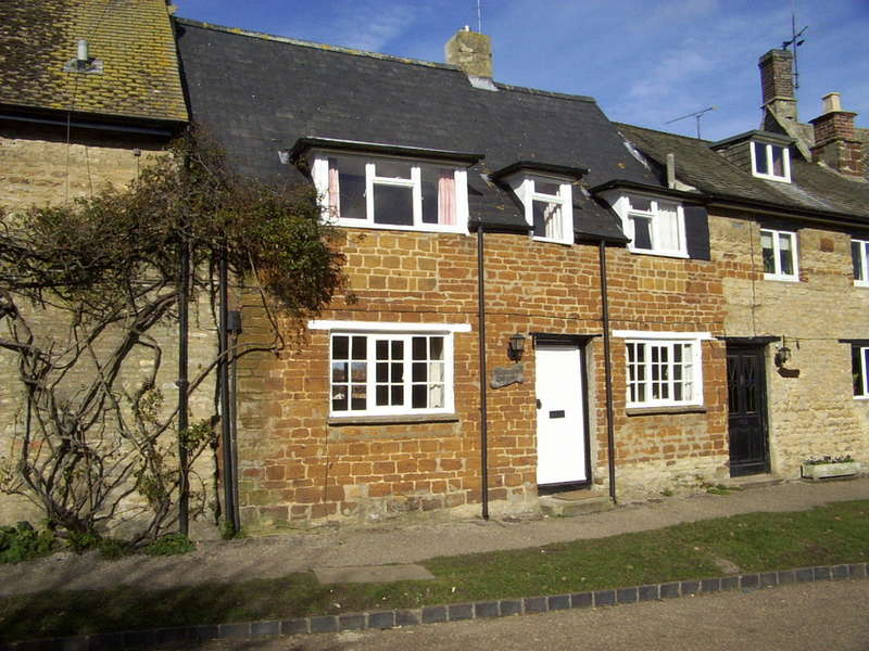 1 Bedroom Cottage House for rent in Manor Road, Sulgrave