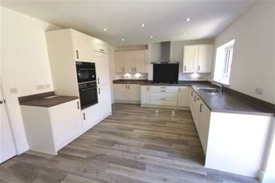 5 Bedrooms Detached House for rent in Clos Coed Collings, Sketty