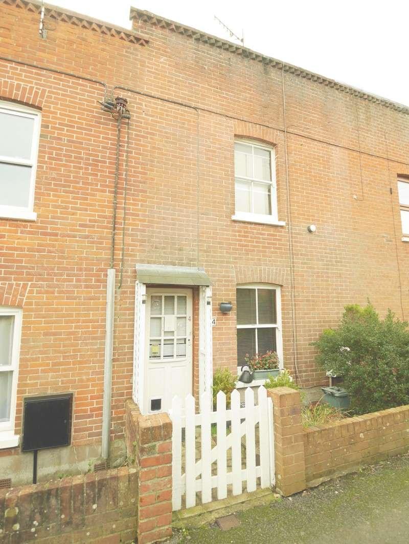 2 Bedrooms Terraced House for sale in Cross Street, Brading, Sandown, Isle Of Wight. PO36 0DL