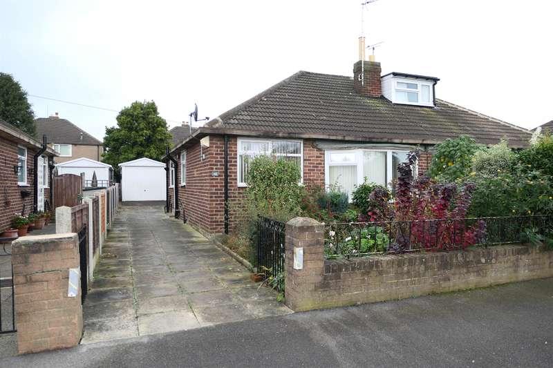 2 Bedrooms Semi Detached Bungalow for rent in Lulworth Avenue, Leeds, West Yorkshire, LS15 8LN