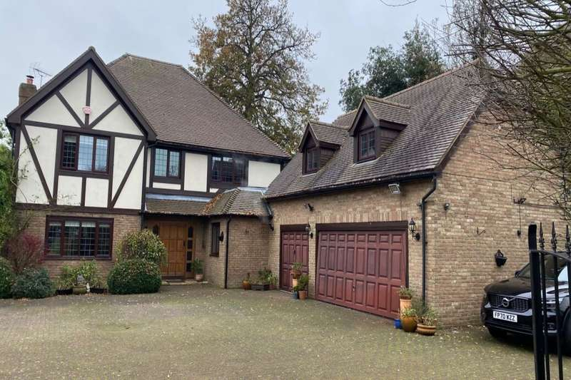 4 Bedrooms Detached House for sale in The Cricketers, Broadstairs, CT10