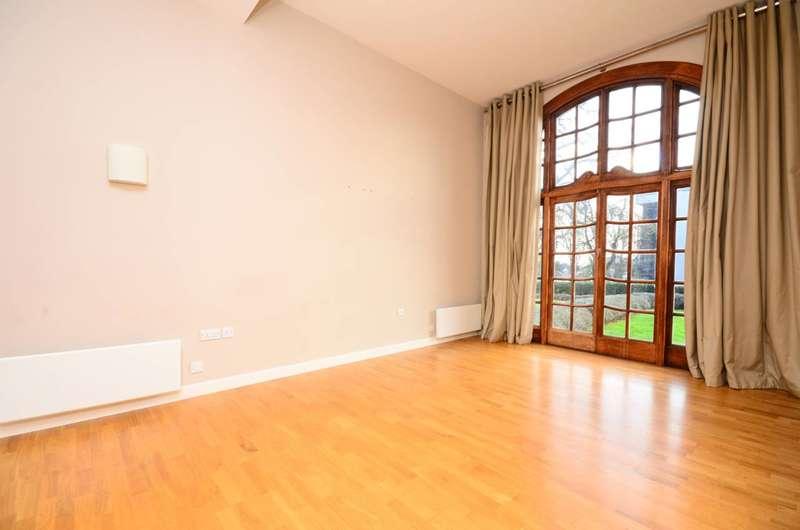 2 Bedrooms Flat for rent in Scott Avenue, Putney, SW15