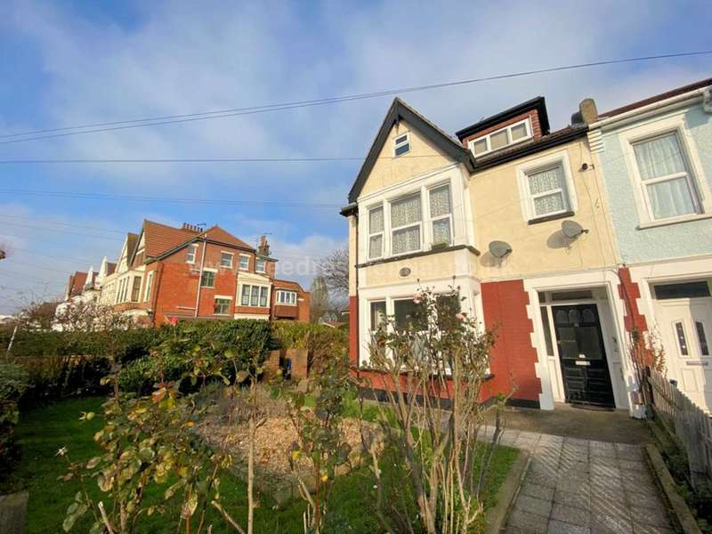 1 Bedroom Flat for rent in Finchley Road, Westcliff On Sea