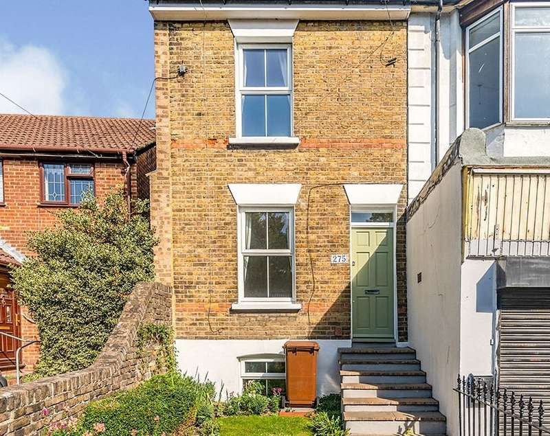 2 Bedrooms House for sale in Luton Road, Chatham, Kent, ME4
