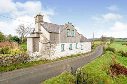 3 Bedrooms Detached House for sale in Llangybi, Pwllheli, Gwynedd, ., LL53