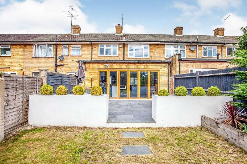 3 Bedrooms House for sale in Leaford Crescent, Watford, Hertfordshire, WD24