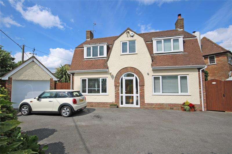 3 Bedrooms Detached House for sale in Naish Road, Barton On Sea, New Milton, Hampshire, BH25