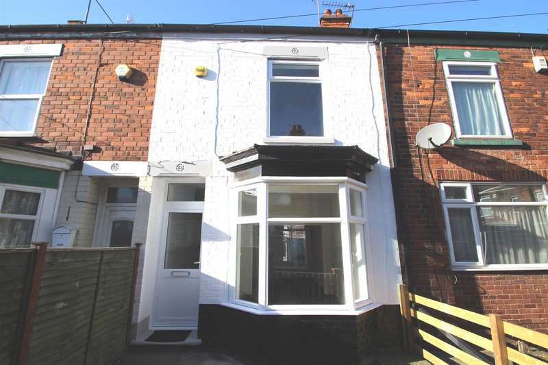 2 Bedrooms Terraced House for rent in Holderness Villas, HU9 5RQ