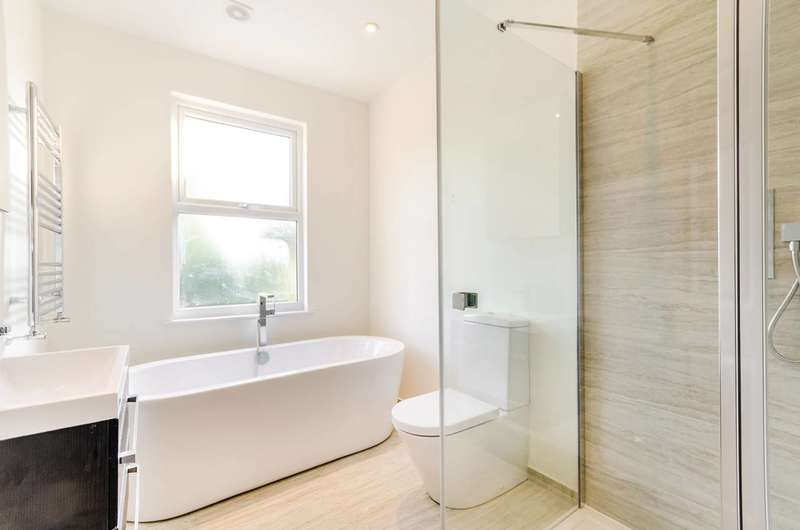 3 Bedrooms House for sale in Tremaine Road, Anerley, SE20