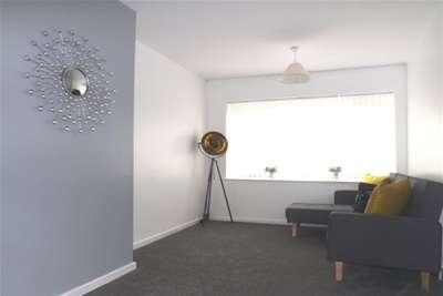 3 Bedrooms Semi Detached House for rent in Sandstone Avenue, Wincobank S9