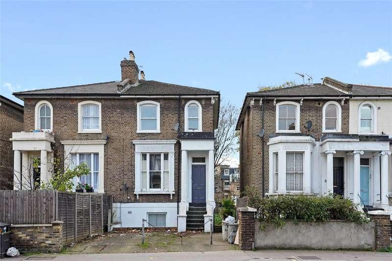 2 Bedrooms Flat for sale in Askew Road, London, W12