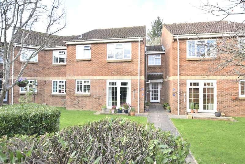 2 Bedrooms Flat for sale in Greenway Lane, Charlton Kings, Cheltenham, GL52
