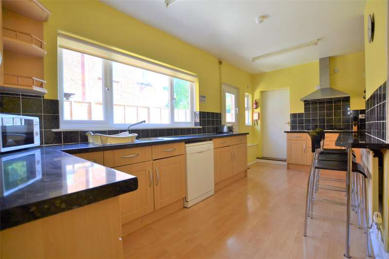 5 Bedrooms Semi Detached House for rent in Henry Road, GLOUCESTER, GL1