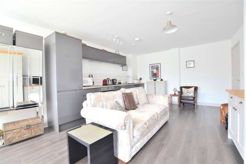 1 Bedroom Flat for sale in Cathedral House Three Cocks Lane, GLOUCESTER, GL1