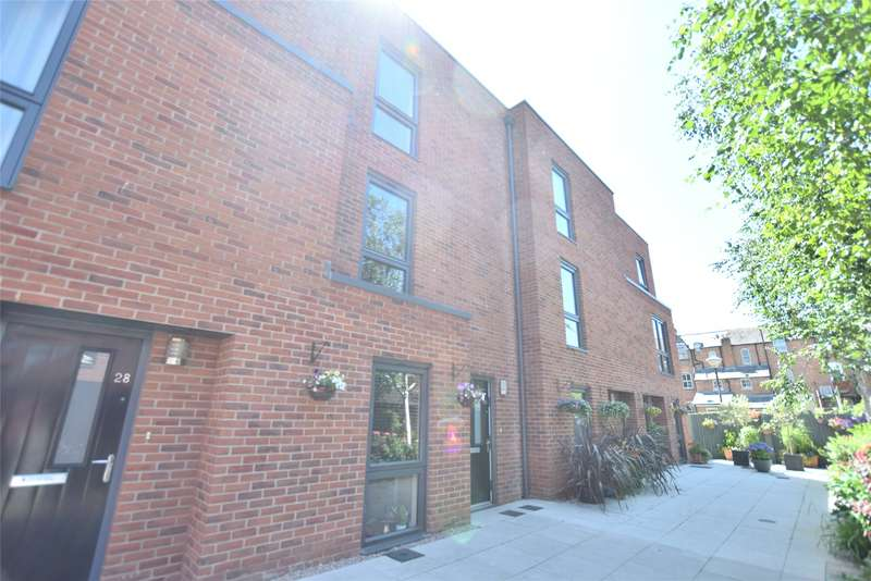 4 Bedrooms Terraced House for sale in Kiln Close, Gloucester, Gloucestershire, GL1