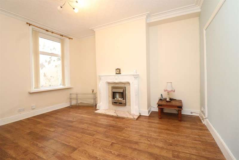 2 Bedrooms Terraced House for rent in Redearth Road, Darwen, BB3 2AR