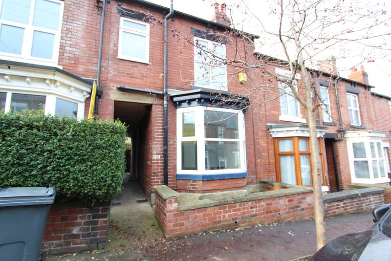 3 Bedrooms Terraced House for rent in Blair Athol Road