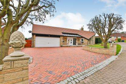 5 Bedrooms Bungalow for sale in Wentworth Drive, Washington, Tyne and Wear, NE37