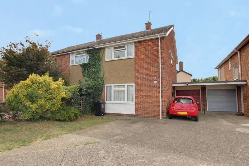 3 Bedrooms Semi Detached House for rent in Manfield Gardens, St Osyth