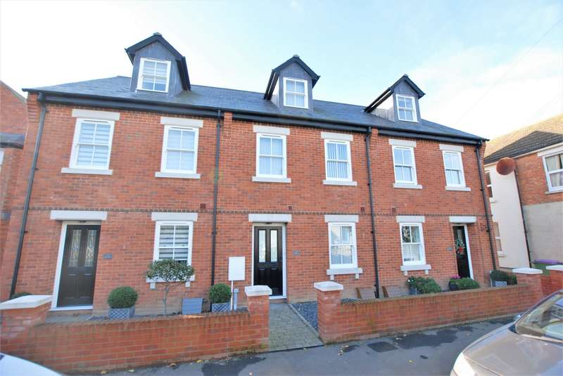 3 Bedrooms Town House for sale in Stade Street, Hythe, CT21