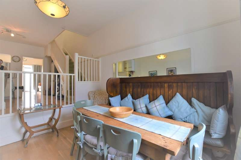 3 Bedrooms Terraced House for rent in York Street, Cowes