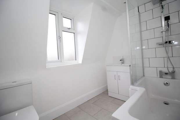4 Bedrooms Terraced House for rent in Durban Road, West Norwood, London, SE27