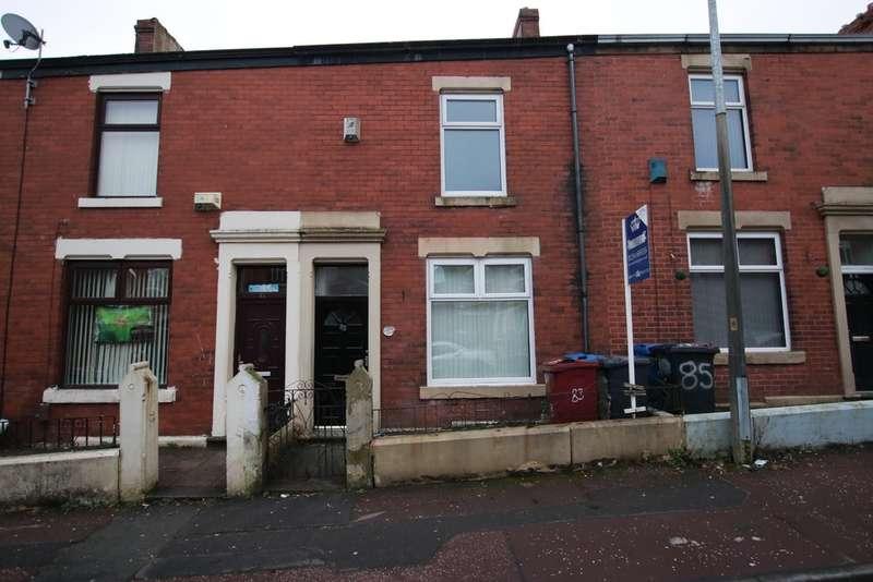 3 Bedrooms Terraced House for rent in Lynwood Road, Revidge, Blackburn