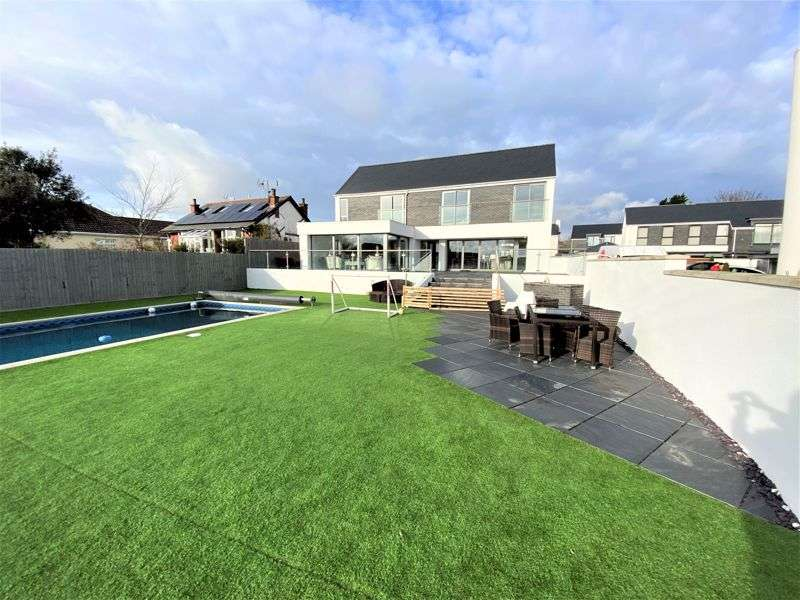 5 Bedrooms Property for sale in 5 Sea View Court, Fontygary Road, Rhoose, The Vale of Glamorgan CF62 3DU