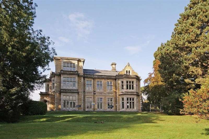2 Bedrooms Apartment Flat for sale in Hemsworth Walk, Ripon, North Yorkshire